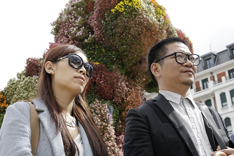 22/09/2015. Han Xili y Zhu Ye durante la visita guiada por Abandoibarra