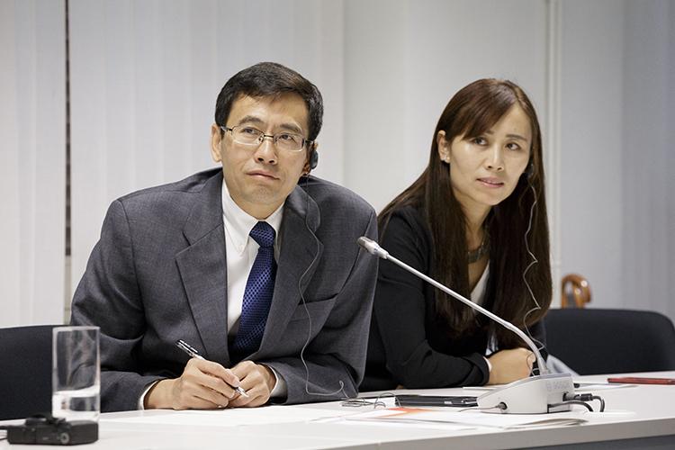 22/09/2015. Liu Zhi y Han Xili durante la presentación en la sede del Ayuntamiento de Bilbao