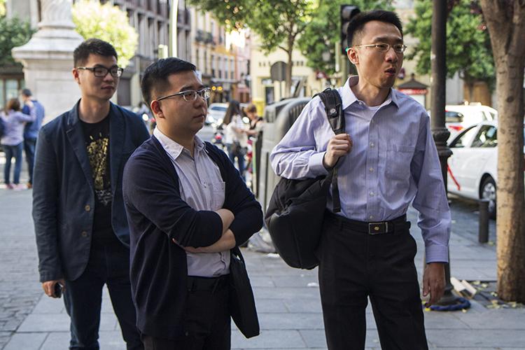 De izq. a dcha.: Li Zixin, Wang Shifeng y Huang Shang