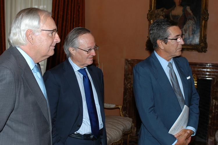 En la imagen Josep Piqué (centro) y Manuel Cacho (dcha.)