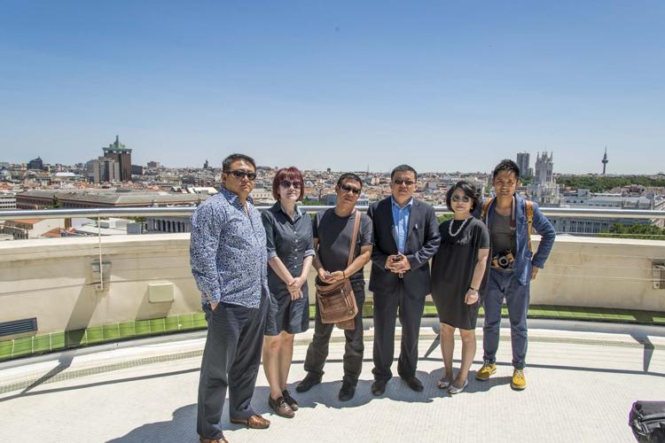 Los líderes chinos durante su visita al Círculo de Bellas Artes.